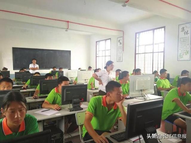 湖南特训学校: 青春期是孩子必须面对的人生重大转